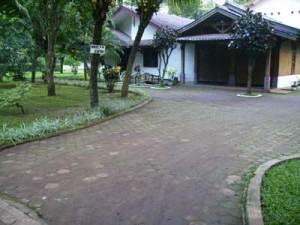 """""""Welcome to Villa YASFI.. (terlihat sejuk bukan?!) hee.. yang diambil dari habib.blogdetik.com"""""""